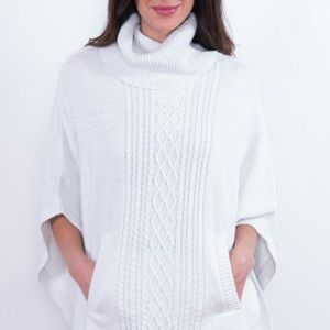 2 colors: Charlie Paige lurex knitted poncho